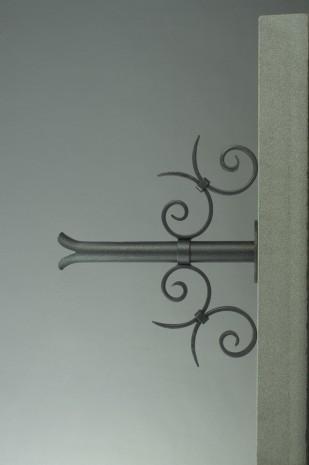 verzierung f r brunnenrohr. Black Bedroom Furniture Sets. Home Design Ideas